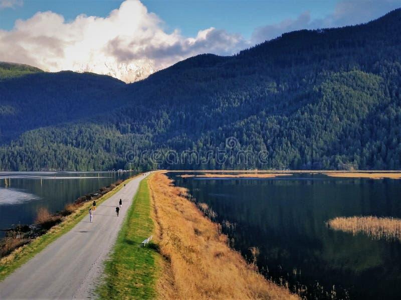 Pitt sjö - lånet begränsar österut royaltyfria bilder