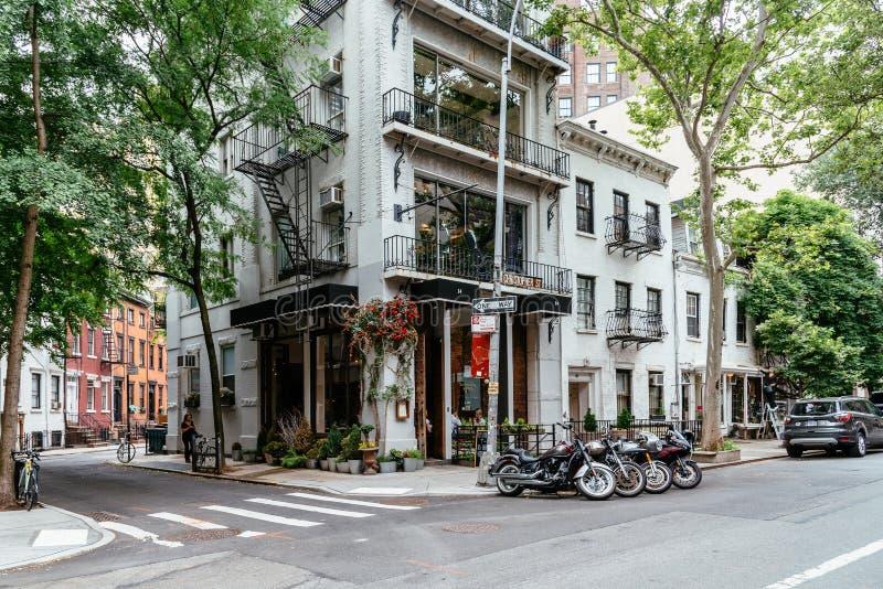Pittoresk gatasikt i den Greenwich byn, New York fotografering för bildbyråer