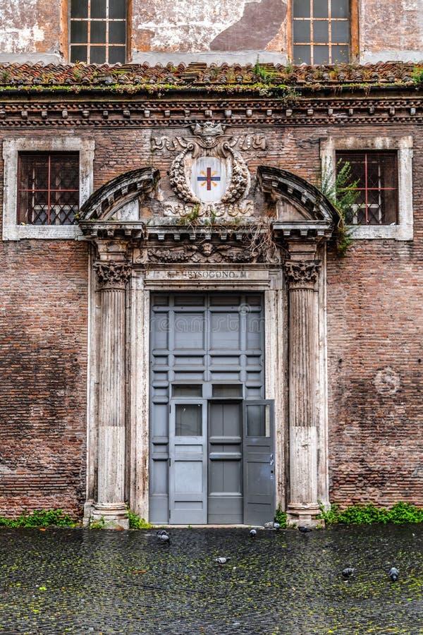 Pittoresk gatasikt i Trastevere, Rome fotografering för bildbyråer