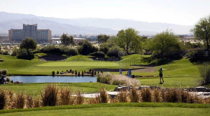Pittoresk golfbana fotografering för bildbyråer