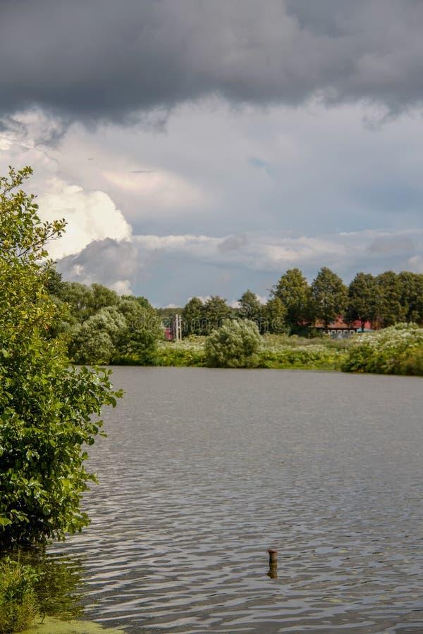 pittoresk lake arkivfoton