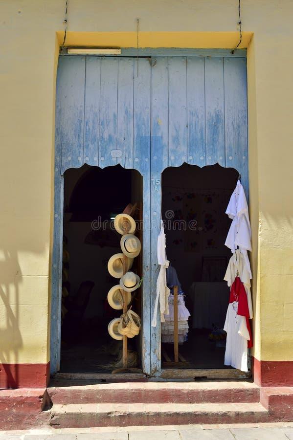 Pittoreska beståndsdelar av traditionell arkitektur cuba trinidad arkivfoton