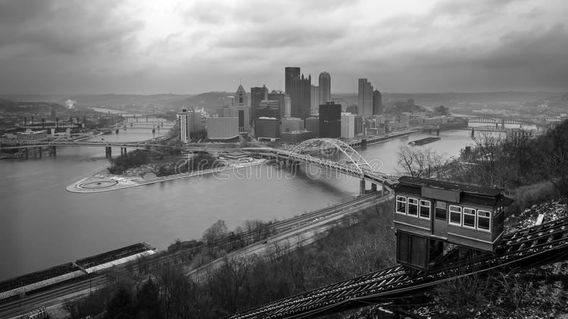 Pittsburgh från den Duquesne sluttningen arkivbild