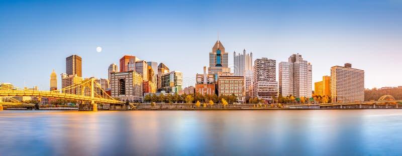 Pittsburgh i stadens centrum horisont arkivbilder