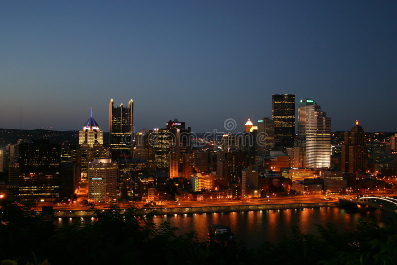 Pittsburgh la nuit photo libre de droits