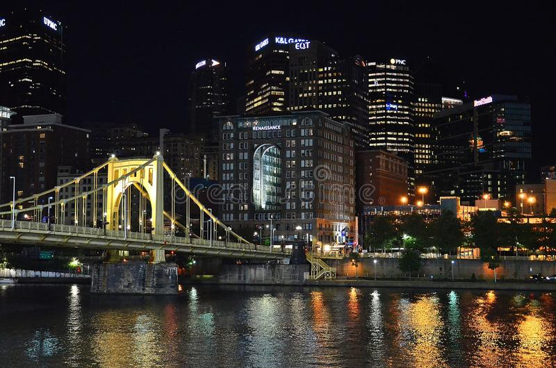 Pittsburgh nachts stockbilder