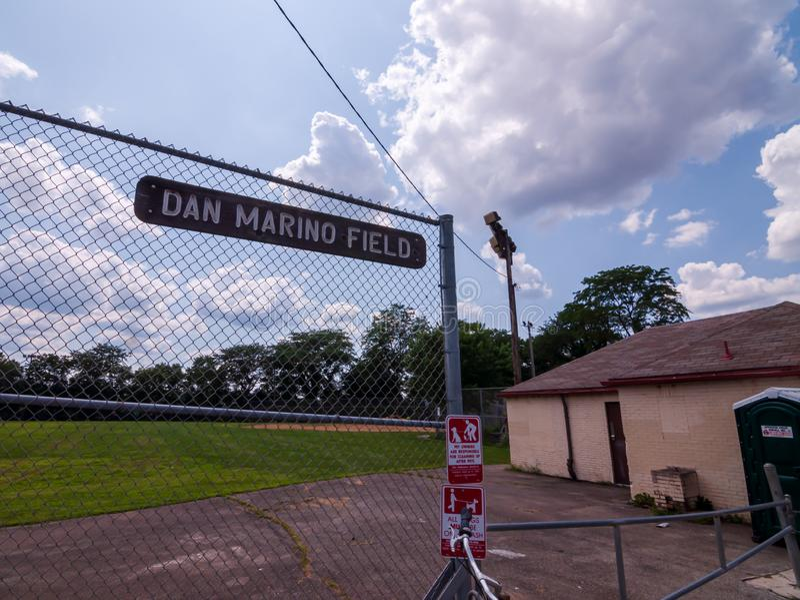 Pittsburgh, Pennsylvania, los E.E.U.U. 7/25/2019 Dan Marino Field en Oakland del sur en donde él creció foto de archivo