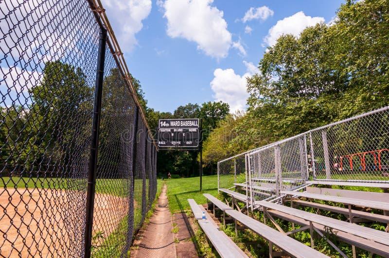 Pittsburgh, Pennsylvania, los E.E.U.U. 7/25/2019 de los blanqueadores y el marcador en los 14tos campos de béisbol de la sala en  imagenes de archivo