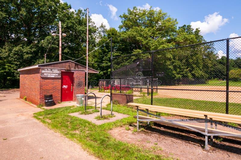 Pittsburgh, Pennsylvania, los E.E.U.U. 7/25/2019 del 14to de la sala del béisbol soporte de concesión y blanqueadores en el parqu imagenes de archivo