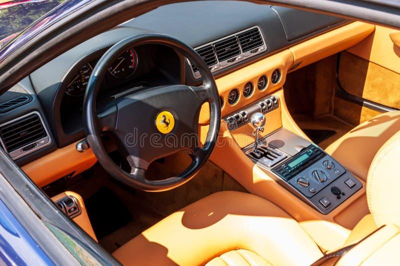 Pittsburgh, Pennsylvania, USA 7/21/2019 die Pittsburgh-Weinlese Gran Prix, Innenraum von Ferrari 456GT auf Anzeige stockfotografie