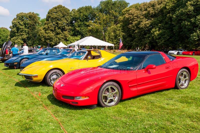 Pittsburgh, Pennsylvania, USA 7/21/2019 die Pittsburgh-Weinlese Gran Prix, verschiedene Jahre Chevrolets Korvetten richtete aus lizenzfreies stockbild