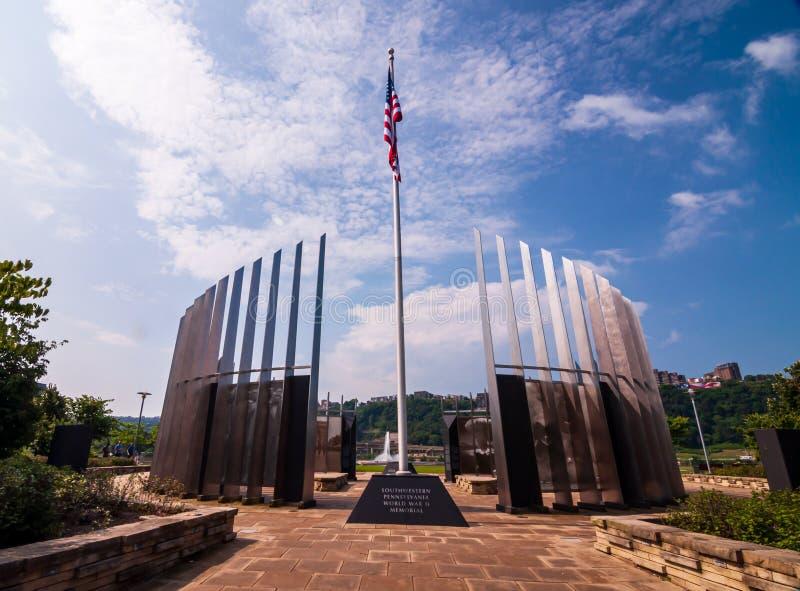 Pittsburgh Pennsylvania, USA 7/6/2019 minnesmärken för Pittsburgh världskrig två på norrsidan av staden royaltyfri fotografi