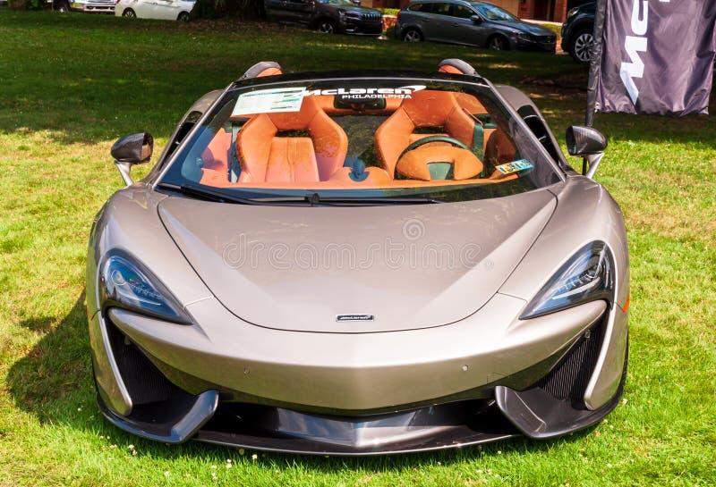 Pittsburgh, Pennsylwania, usa Pittsburgh 7/21/2019 rocznika Gran Prix, 2019 McClaren dębny kabriolet na pokazie zdjęcia royalty free