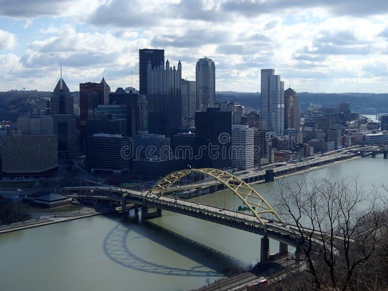 Pittsburgh sikt från Mt Washington Allegheny River royaltyfria foton