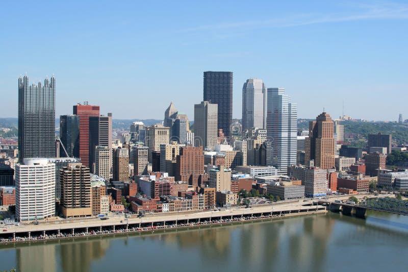 Pittsburghs Skyline lizenzfreie stockfotos