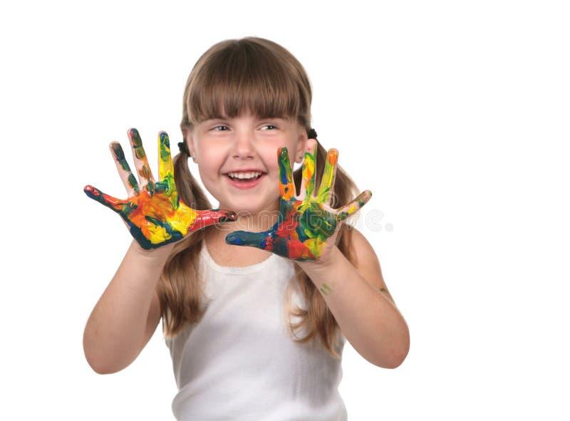 Pittura del bambino di cura di giorno con le sue mani fotografia stock libera da diritti