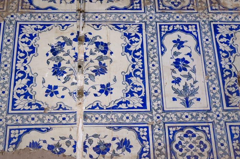 Pittura islamica indiana tradizionale della parete di arte nella fortificazione di Derawar fotografia stock