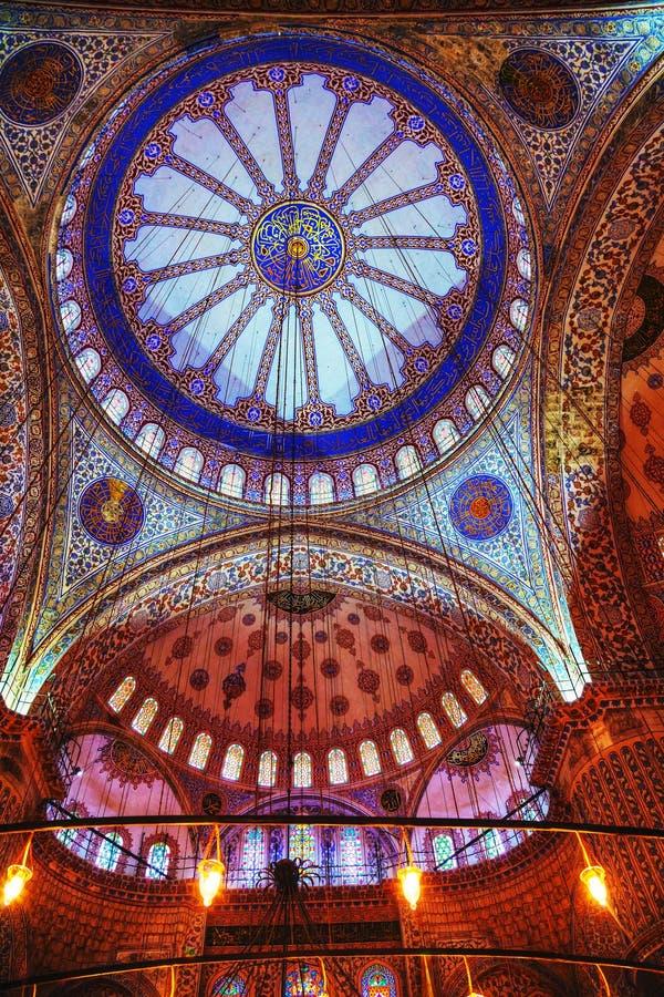 Pitture antiche sul tetto in Sultan Ahmed Mosque (Mosqu blu immagine stock