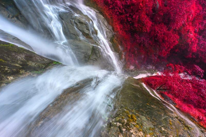 PiTuGro-waterval wordt vaak de hartvormige waterval genoemd Umphang, Thailand royalty-vrije stock afbeelding