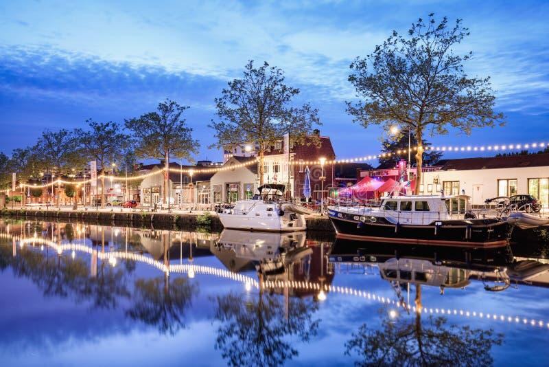 Pius hamnlandskap på skymning, Tilburg, Nederländerna fotografering för bildbyråer