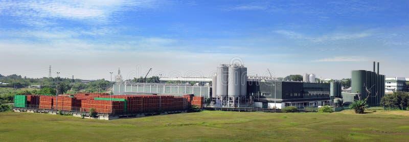 piwny zewnętrzny fabryczny widok zdjęcie stock