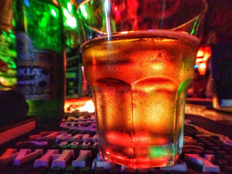 piwo z złotym konopie obrazy stock