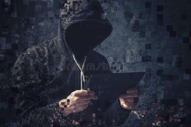 Pixelated cyber unrecognizable kapturzasta przestępca fotografia stock