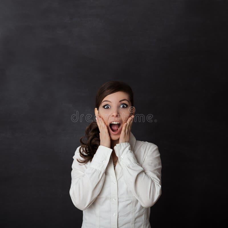 Pizarra de griterío de la mujer foto de archivo libre de regalías