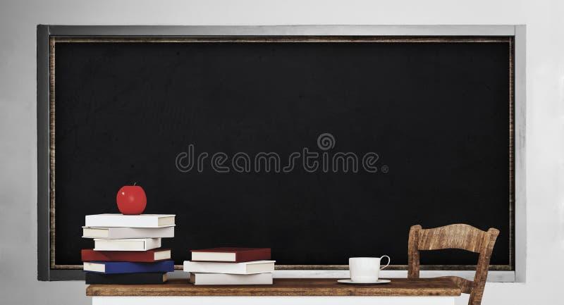Pizarra, tabla, pila de libros y manzana, en sala de clase fotografía de archivo