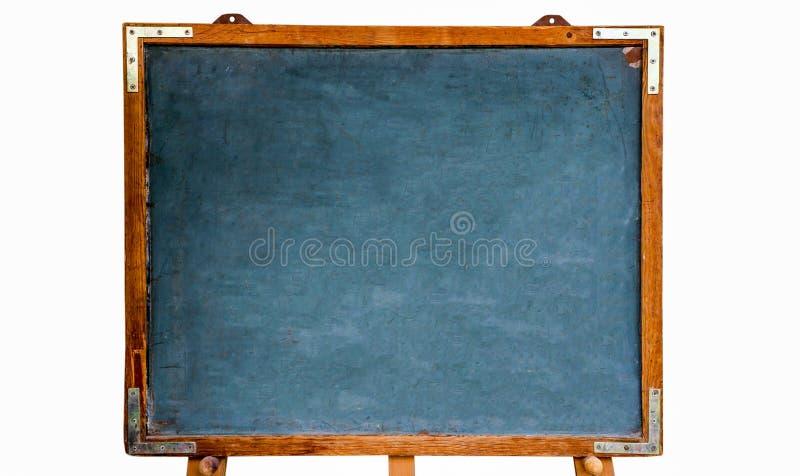 Pizarra vacía de madera del viejo vintage sucio azul o pizarra retra con el marco resistido y soporte aislado en el fondo blanco fotos de archivo