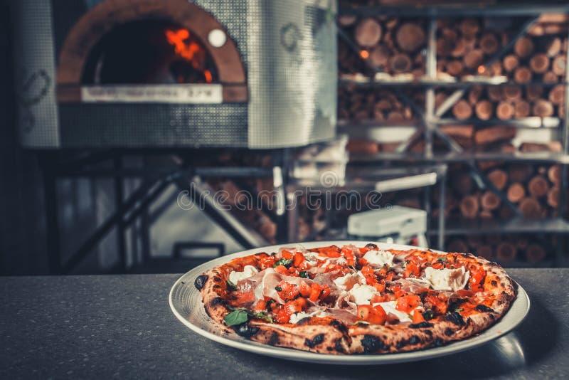 Pizz délicieux frais photo stock