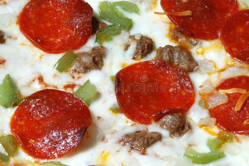 Download Pizza obraz stock. Obraz złożonej z kiełbasa, mozzarella - 144063