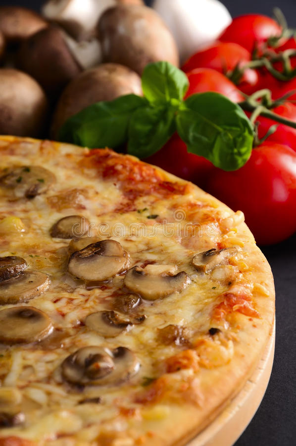Download Pizza Royalty Free Stock Photos - Image: 18711428