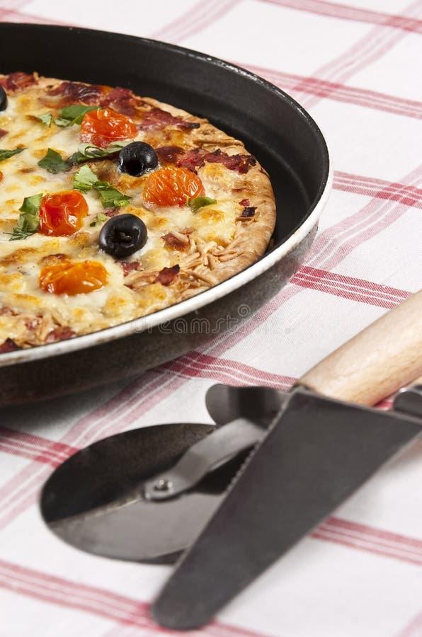 Download Pizza stockfoto. Bild von kalorien, teig, nahrung, küche - 9089222