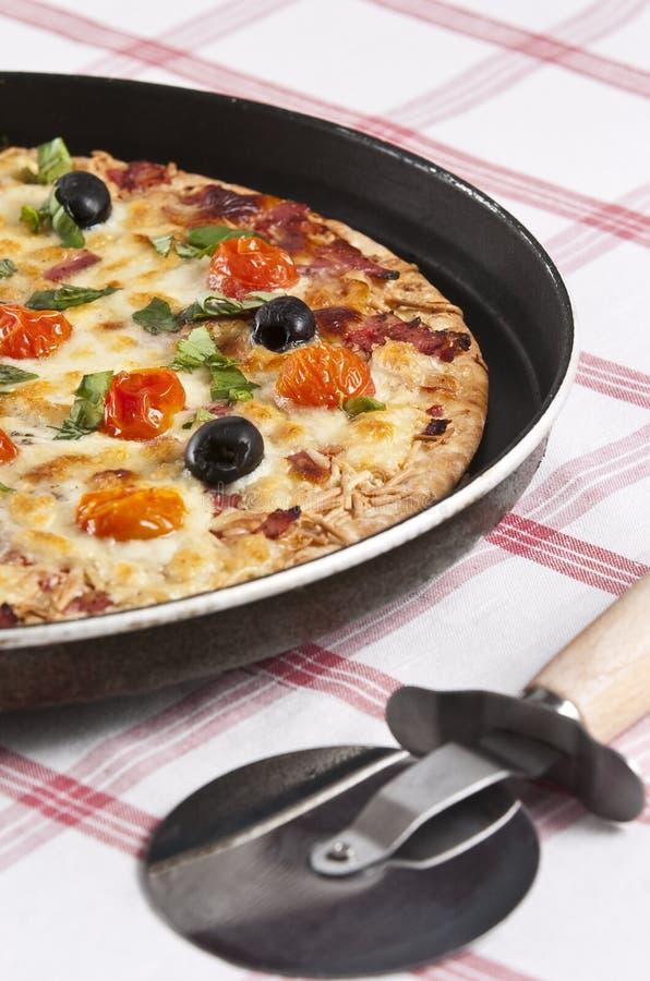 Download Pizza stockfoto. Bild von soße, köstlich, schwarzes, cuisine - 9089332