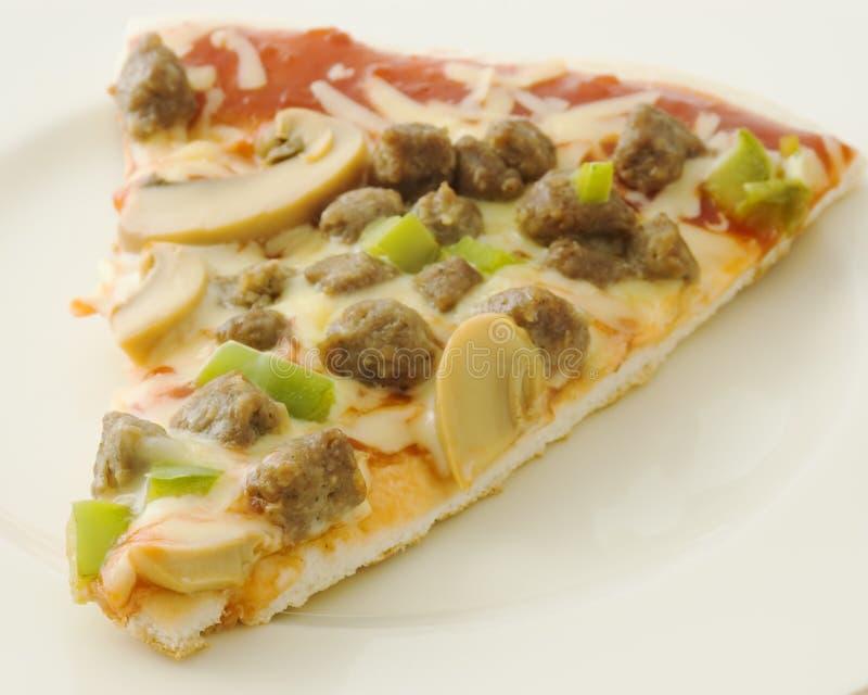 Download Pizza fotografering för bildbyråer. Bild av vitt, sås, champinjon - 988977