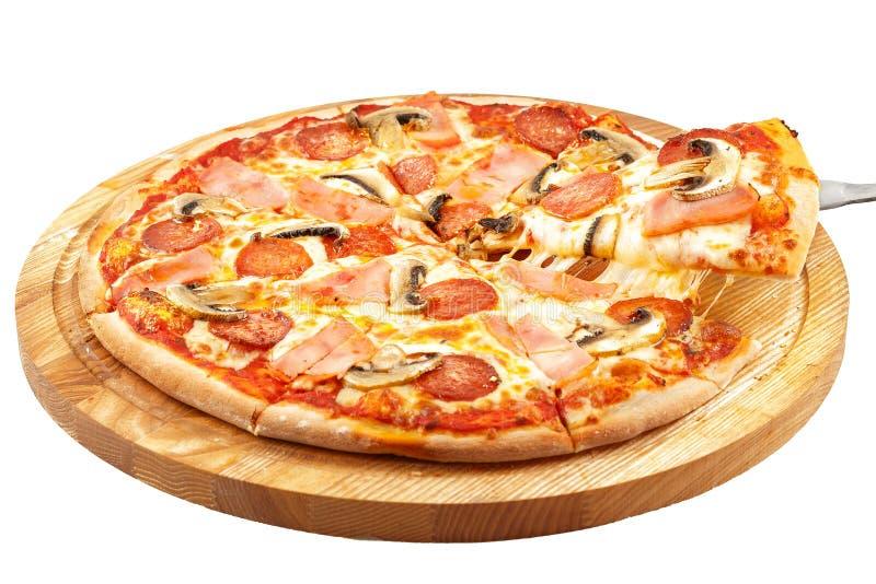 Pizza Americana, Mozzarella, Pepperonis, Schinken, Pilze stockfotos