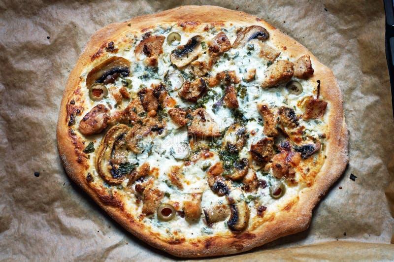 Pizza blanca imagen de archivo libre de regalías