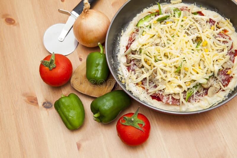 Pizza caseiro foto de stock royalty free