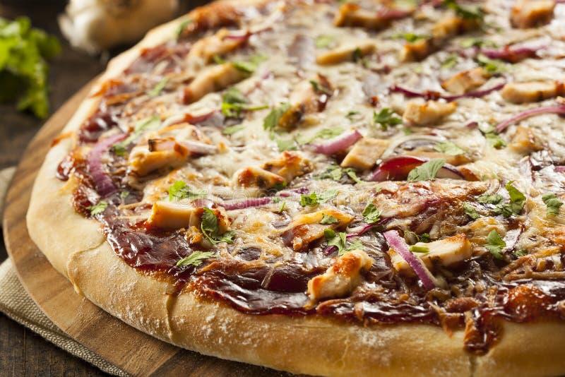 Pizza caseiro da galinha do assado imagem de stock