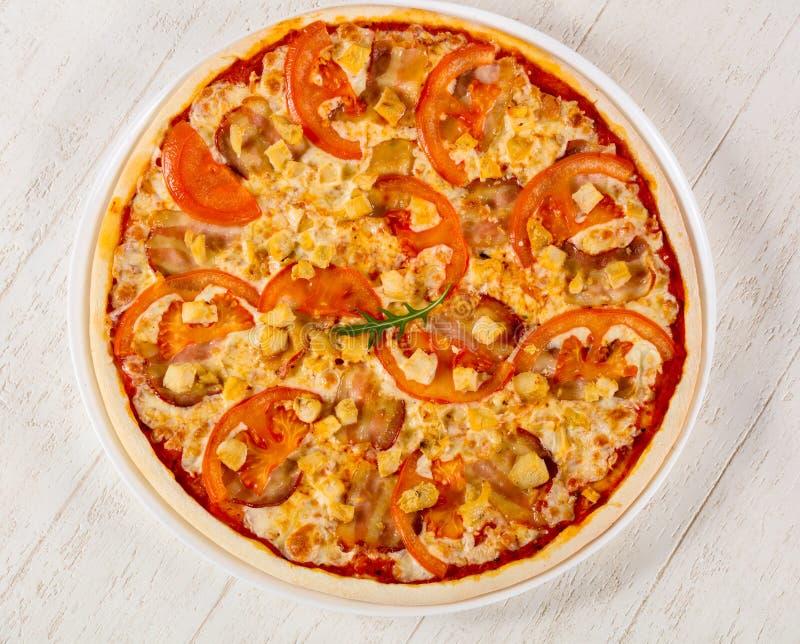 Pizza com bacon imagem de stock royalty free