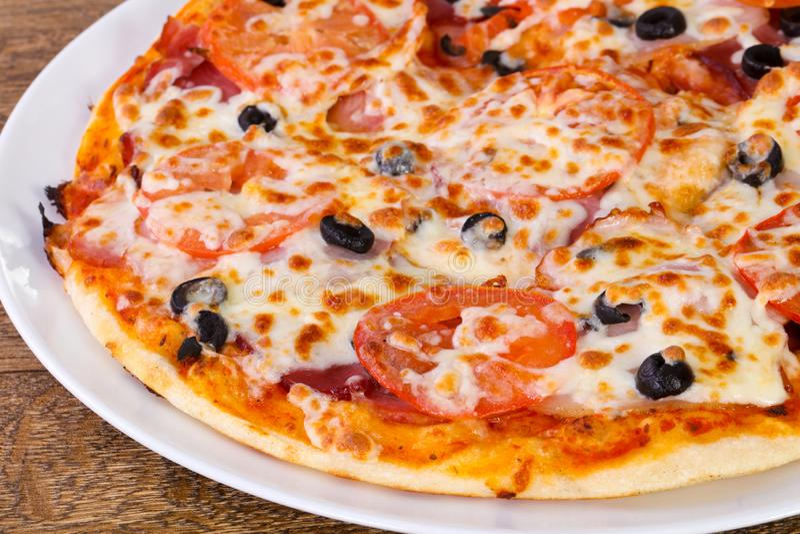 Pizza com bacon imagens de stock royalty free