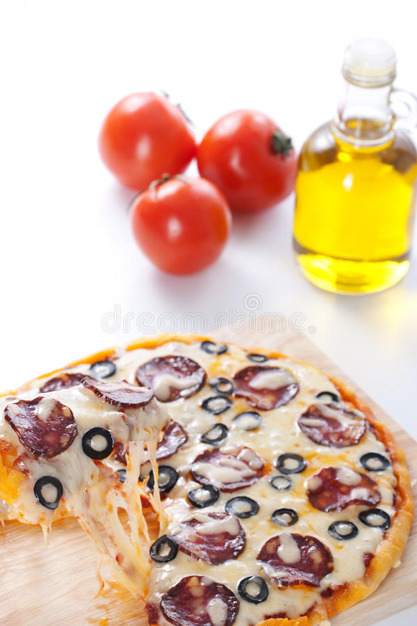 Pizza con formaggio fuso immagini stock