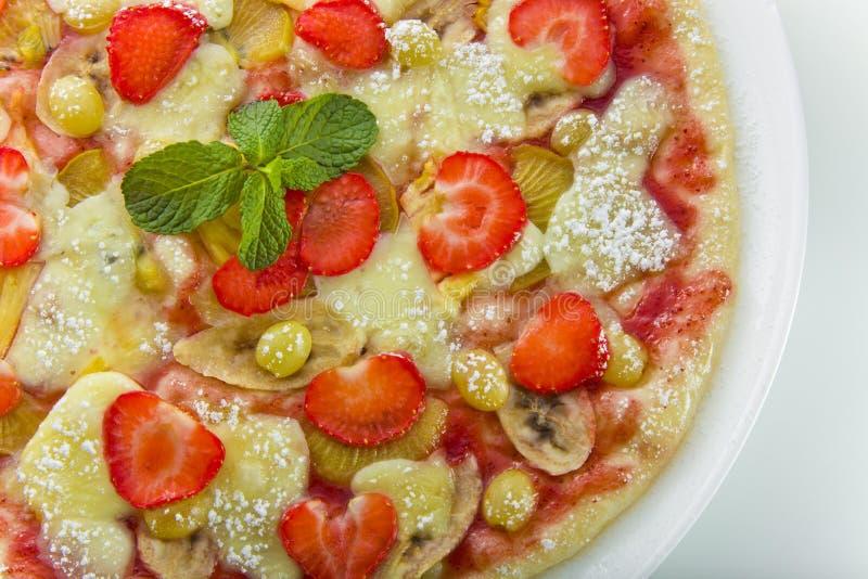 Pizza da fruta imagem de stock