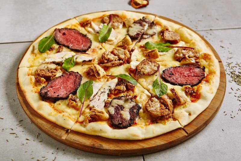Pizza De Carne Bbq foto de stock