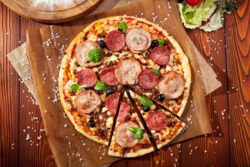 Pizza de la carne foto de archivo