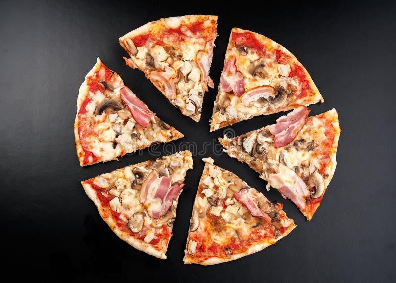 Pizza de la carne fotos de archivo