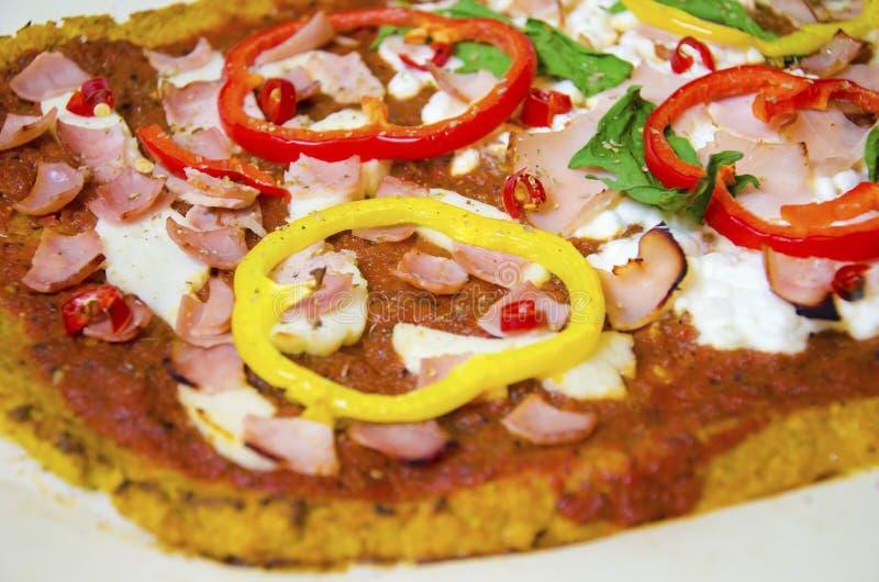 Pizza de la coliflor fotos de archivo libres de regalías