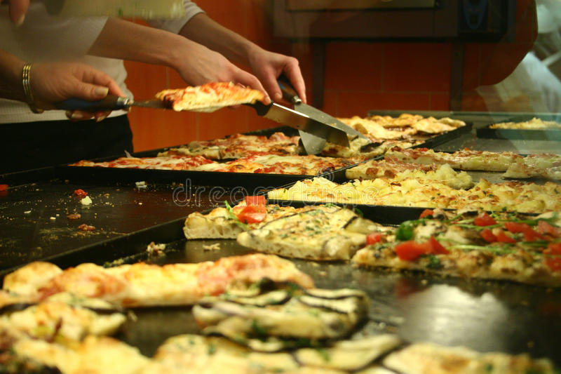 Pizza de nourriture de rue images libres de droits