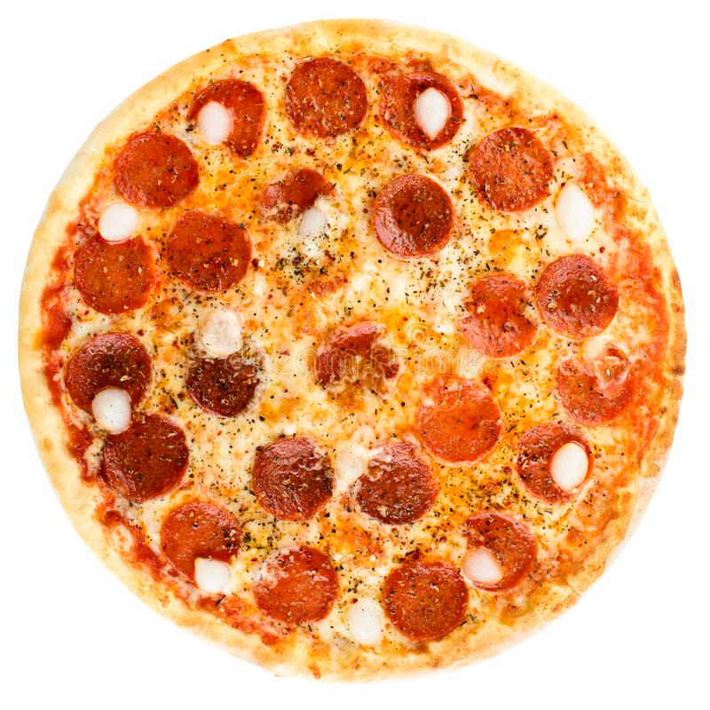 Pizza de pepperoni cozida fresca deliciosa isolada no backgrou branco fotos de stock royalty free